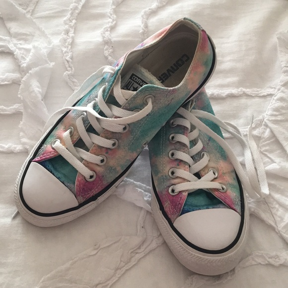 db0062e6d191c Watercolor converse!